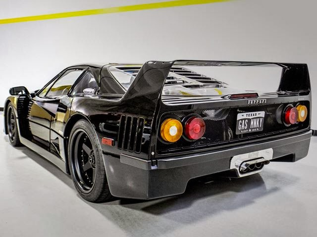 Gas monkey garage give previously wrecked ferrari f40 a for Garage fast auto sarcelles