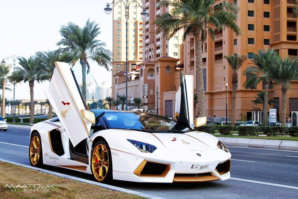 Lamborghini Aventador Roadster Gets Real Gold Accents