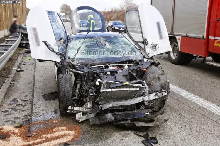 Crystal White Bmw I8 Destroyed In Germany Crash